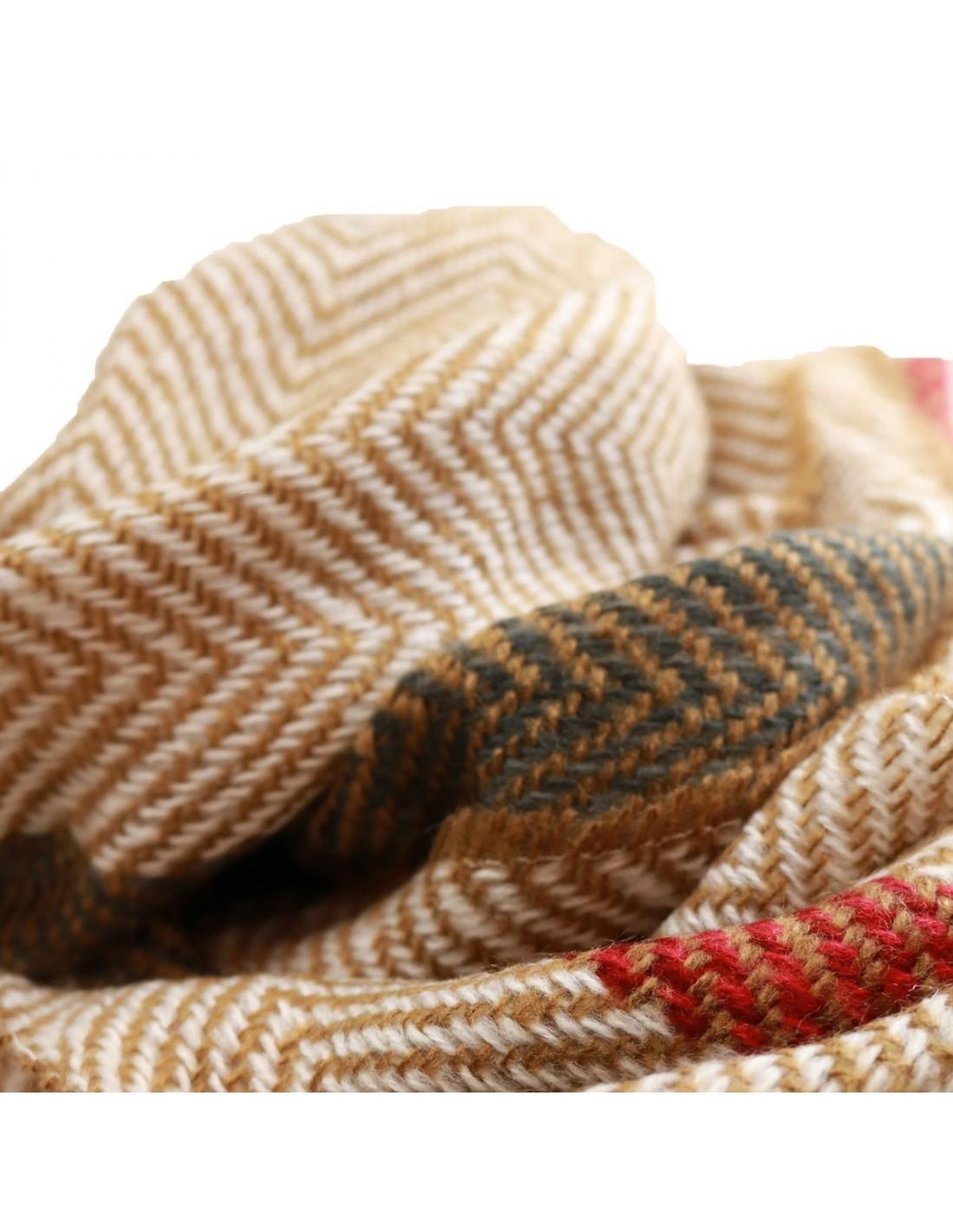c785878b1ab9 ... Echarpe femme longue en laine tons beige , moutarde, bordeaux et kaki  motif rayure triangle