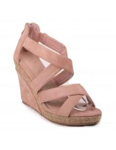 Sandales compensées rose en suédine à brides ouvertes talon effet tressé
