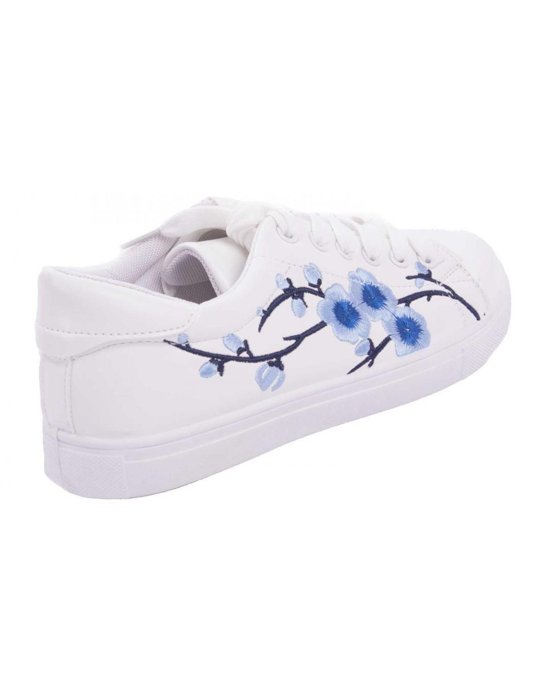 Baskets femme sport blanche fleur bleu brod e simili cuir for Fleurs envoyer pas cher