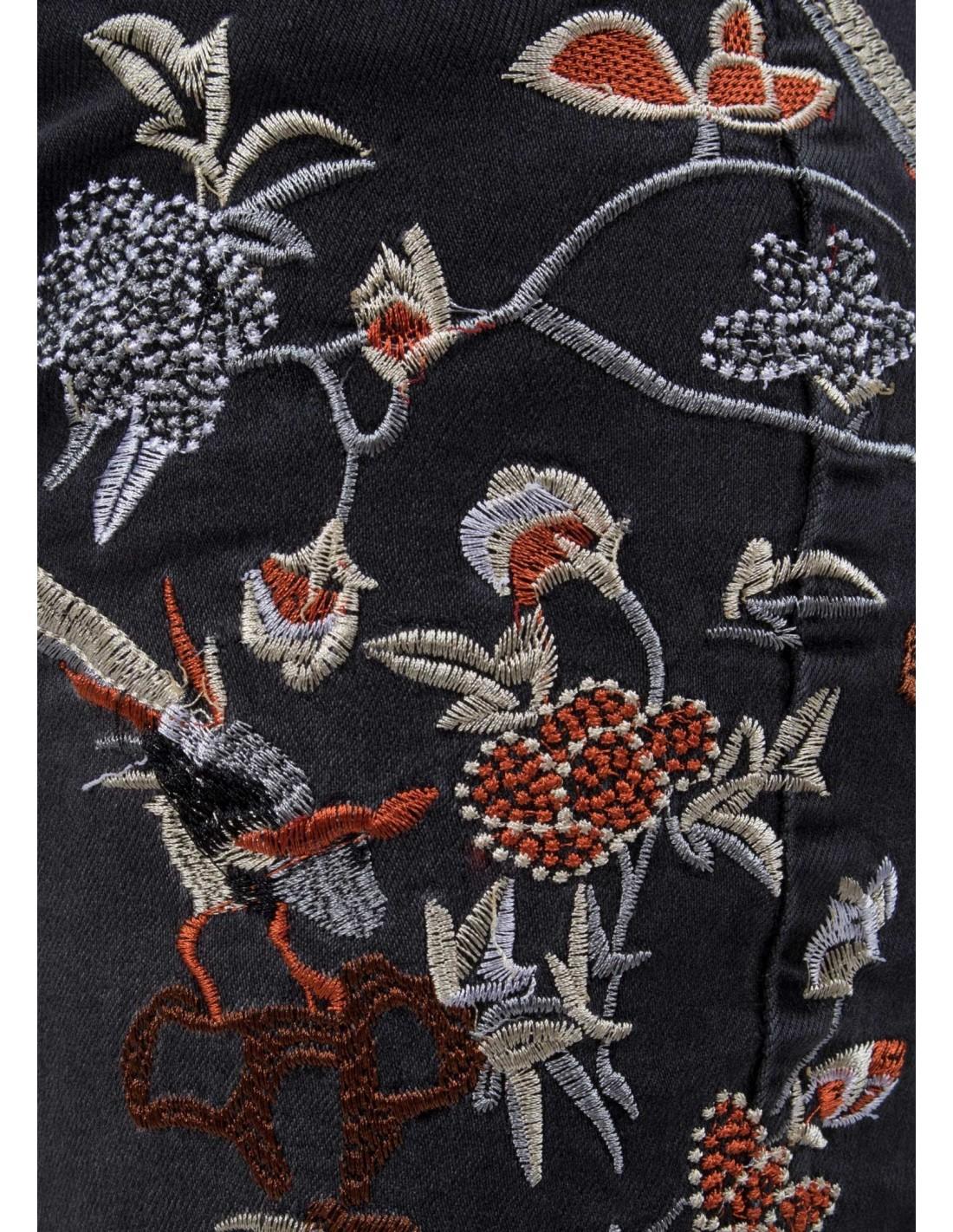 96ffbe5b795 jean-slim-noir-femme-taille-haute-avec-broderie-fleurs-oiseaux.jpg