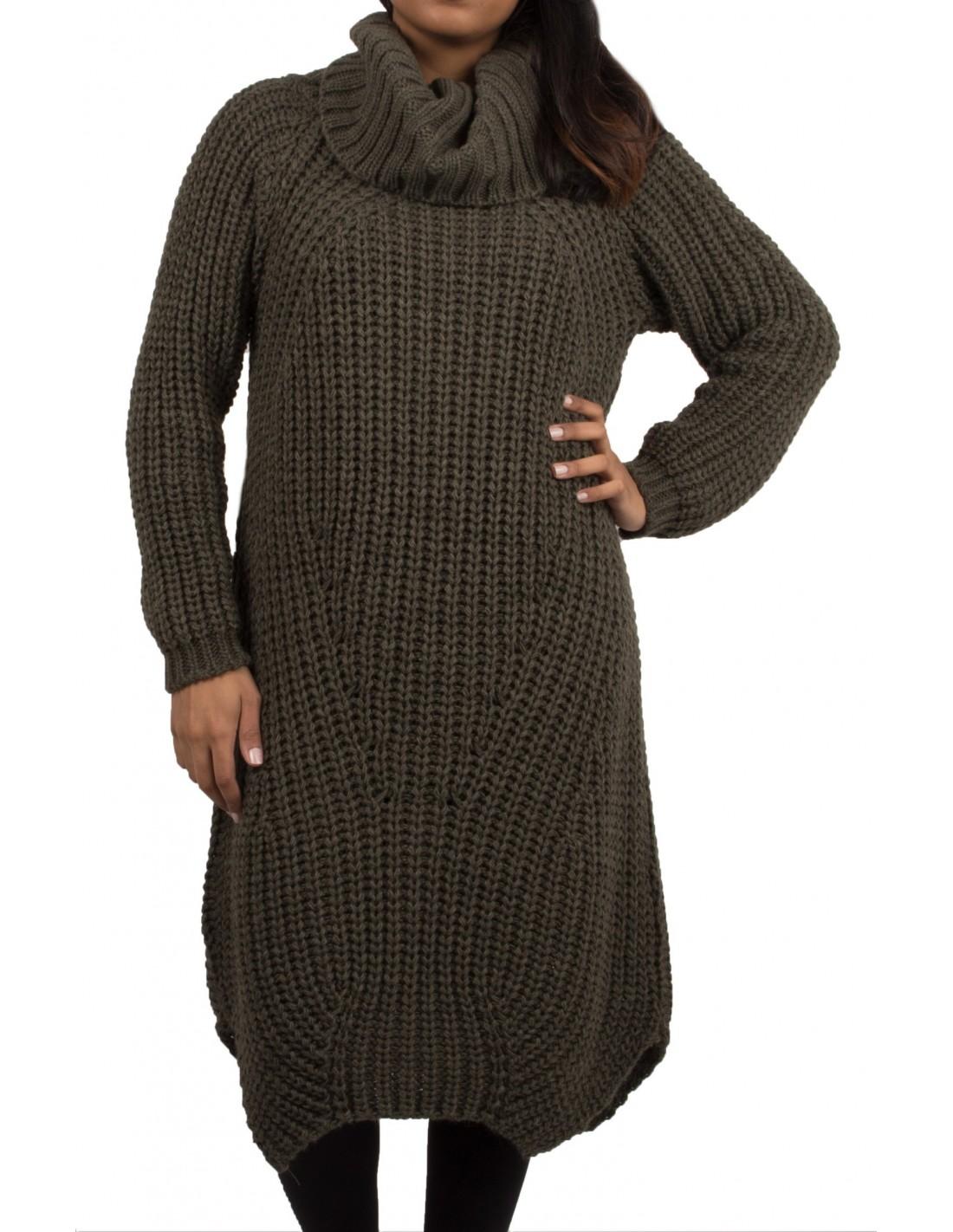 06f51516c38 Robe pull laine col roulé en grosse maille pour femme
